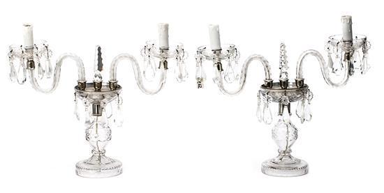 Pareja de candelabros probablemente franceses en cristal tallado, de finales del siglo XIX