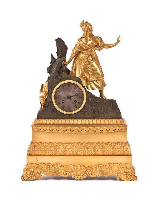 Reloj de sobremesa francés Carlo X-Luis Felipe en bronce dorado y pavonado, de la segunda cuarto del siglo XIX