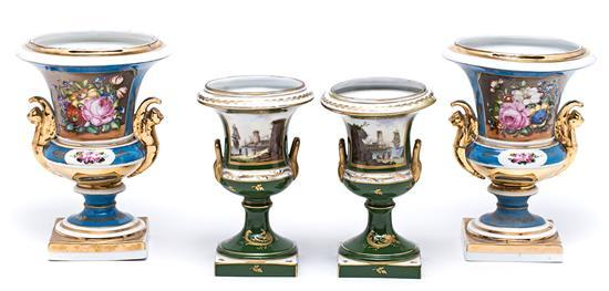 Dos parejas de jarrones franceses estilo Imperio en porcelana Viejo París, de la segunda mitad del siglo XIX