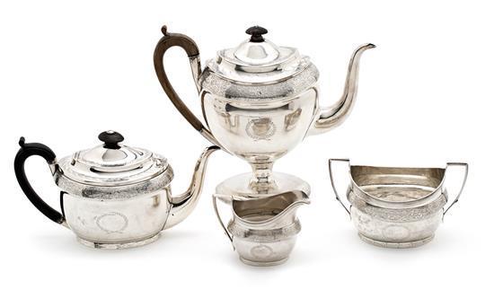 Juego de café y té inglés Jorge III en plata de Londres, de las primeras décadas del siglo XIX