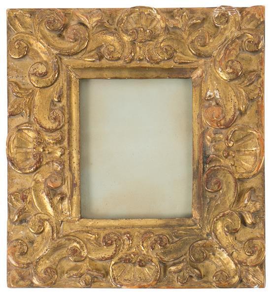 Marco estilo barroco en madera tallada y dorada, del primer tercio del siglo XX