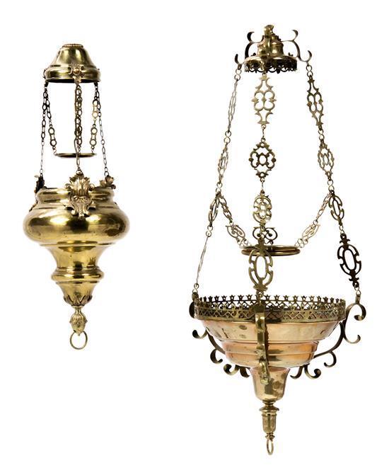 Dos lámparas votivas en latón, del siglo XIX