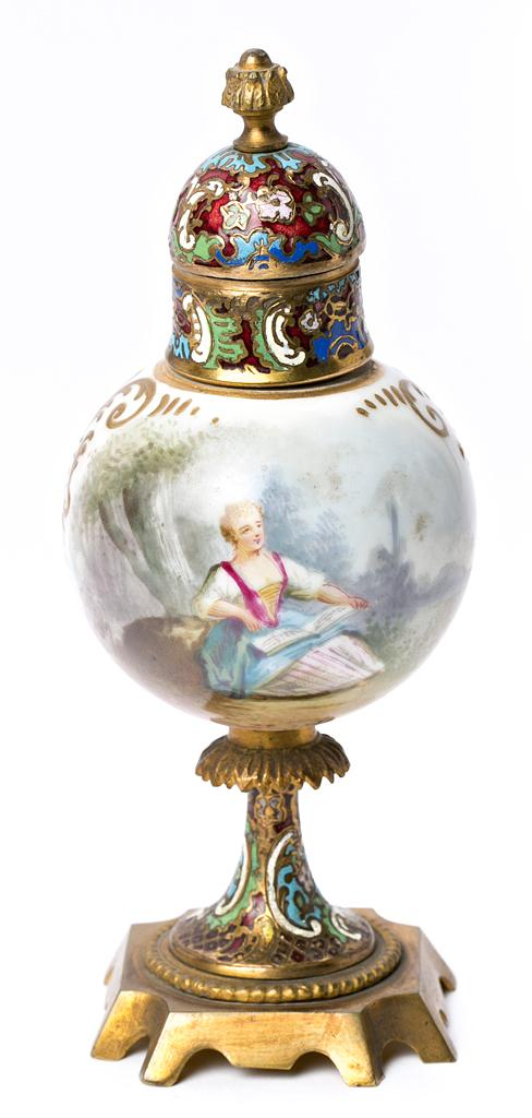French vase in porcelain and