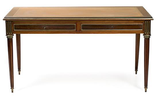 Mesa escritorio estilo Luis XVI en caoba y nogal, hacia 1930