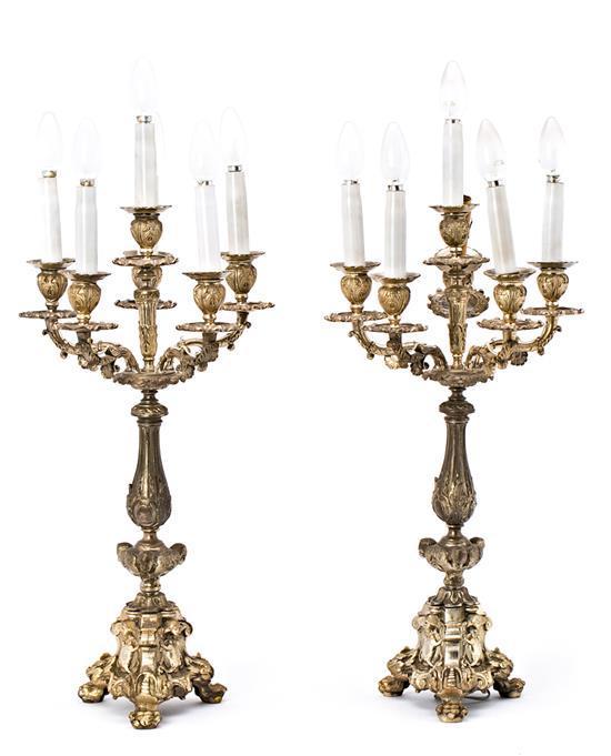 Pareja de candelabros de estilo Napoleón III en metal plateado, del primer tercio del siglo XX