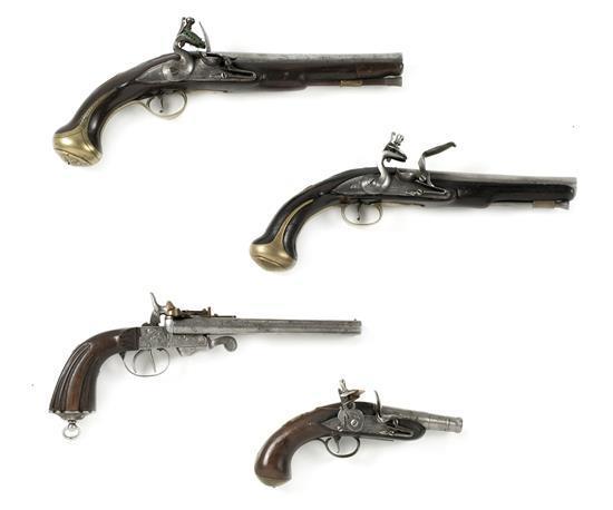 Cuatro pistolas, tres inglesas a pedernal y una de sistema Lafaucheux en madera, acero y latón, de 1770 a 1880