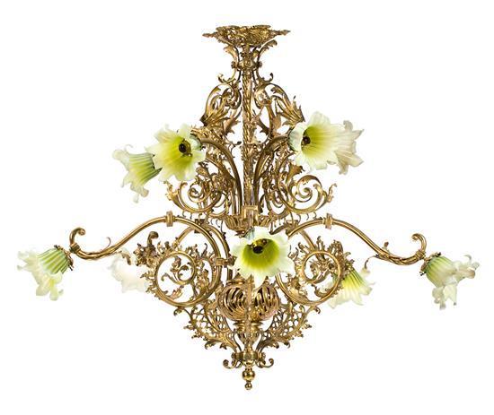 Lámpara de techo modernista en bronce dorado, de finales del siglo XIX