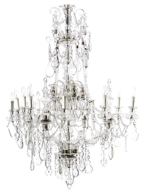 Gran lámpara de techo francesa en cristal tallado con lágrimas, de las primeras décadas del siglo XX