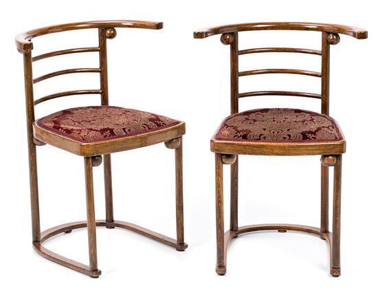 Josef Hoffmann Pirnitz (Moravia) 1870 - Viena 1956 Pareja de sillas nº 728