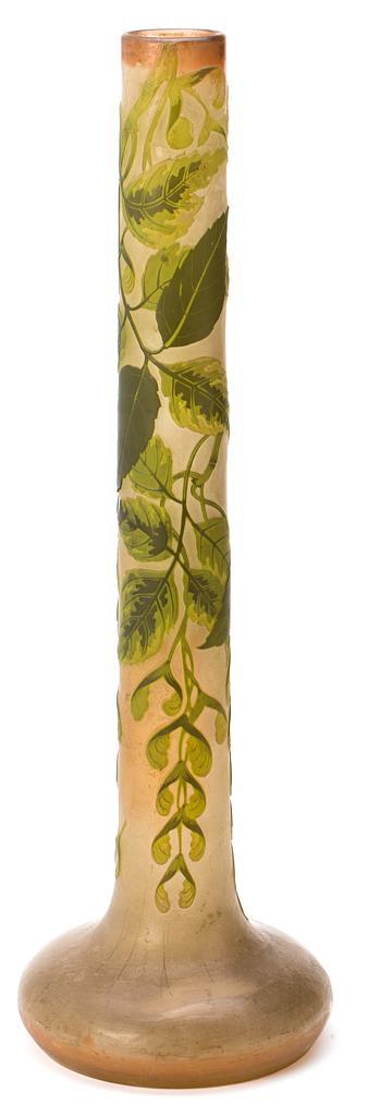 Émile Gallé Nancy 1846-1904 Jarrón con acacias Vidrio policromo de varias capas grabado en camafeo