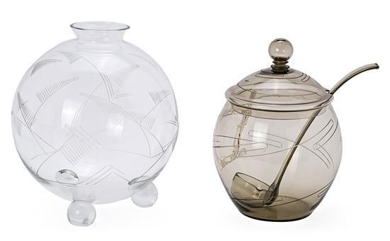 Grandes ponchera y jarrón checos Art Déco en cristal transparente y ahumado, hacia 1930