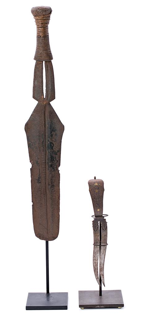 Indian double-edged dagger and Central African knife in iron, 19th century and first half of the 20th century