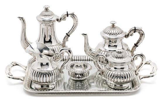 Juego de café y té español en plata, de mediados del siglo XX