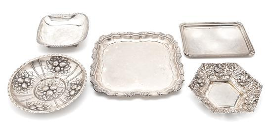 Cinco fuentes españolas en plata, de mediados del siglo XX
