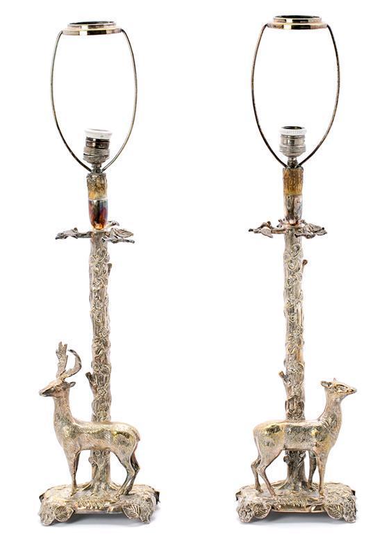 Pareja de lámparas de sobremesa en metal plateado, de mediados del siglo XX