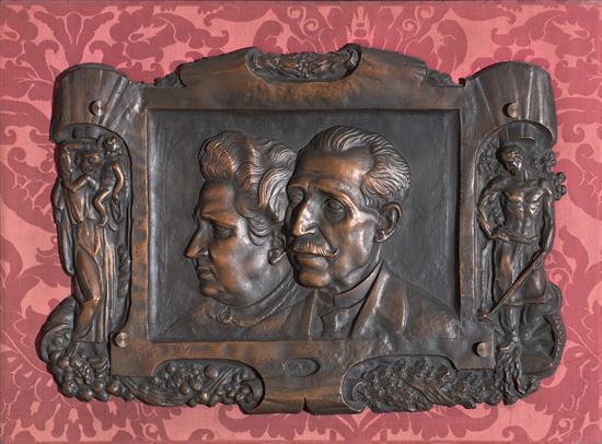 Escuela probablemente francesa, del primer tercio del siglo XX Retrato doble Bajorrelieve en bronce