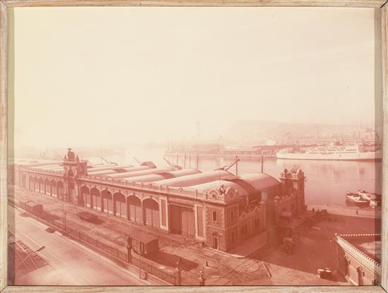 Pere Català Pic Valls 1889 - Barcelona 1971 Vista del puerto de Barcelona Gelatina de plata