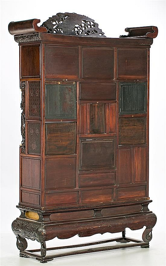 Japanese Meiji Cabinet In Carved Fretted And Lacquered Wood