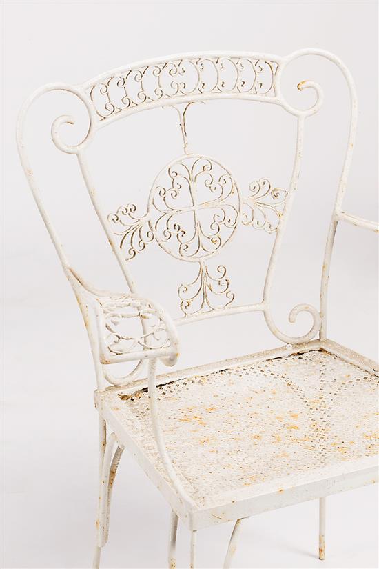 Dos sillas y pareja de sillas de jard n en hierro forjado y - Sillas en hierro forjado ...