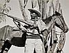 Kurt Severin 1896 - 1970 Méjico, guerrillero gubernamental, 1950-1960 Gelatina de plata, 19 x 24 cm, sello húmedo del fotógrafo, tir..., Kurt Severin, Click for value