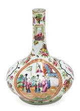 Jarrón en forma de botella chino en porcelana de Cantón, del siglo XIX