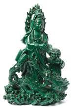 Escuela china del primer tercio del siglo XX Guanyin con dragón y niño Grupo escultórico en malaquita