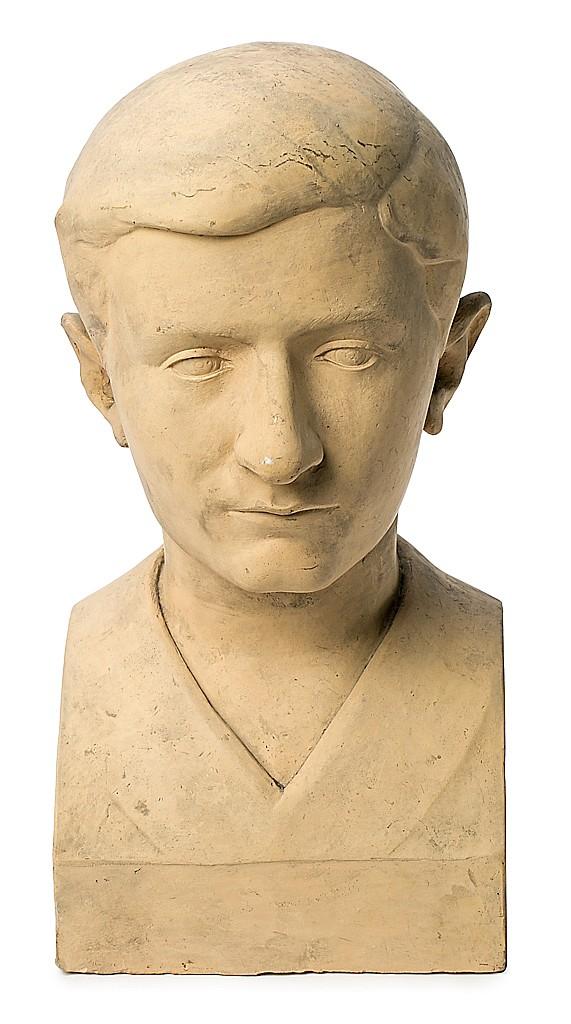 Joan Rebull Reus 1899 - Barcelona 1981 Un joven Busto en terracota