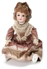 French doll in S.F.B.J. porcelain, early decades of the 20th Century