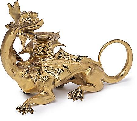 Atribuido a Francesc Vidal Jevellí Barcelona 1847 - 1914 Dragón Palmatoria en bronce dorado oscura