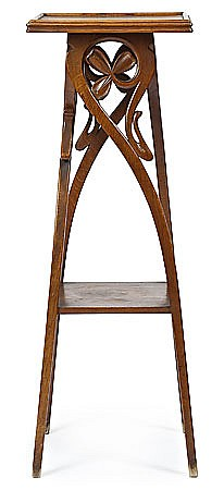 Atribuido a Gaspar Homar (Bunyola 1870-Barcelona 1953) Peana Roble tallado
