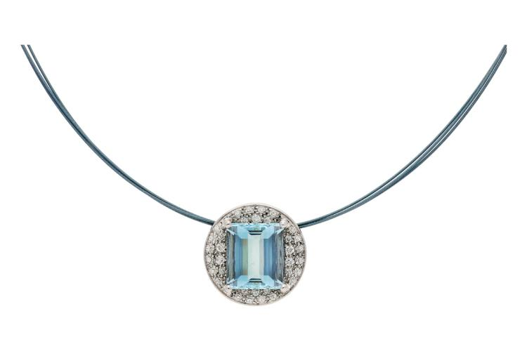 Aquamarine and diamonds choker necklace White gold, emerald cut aquamarine, 5.80 cts and brilliant cut diamonds, 0.36 cts. 7,6 gr
