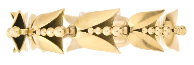 Attributed to Jaume Mercadé Catalan gold bracelet, first third of the 20th Century Gold with floral motifs. 18,2 gr