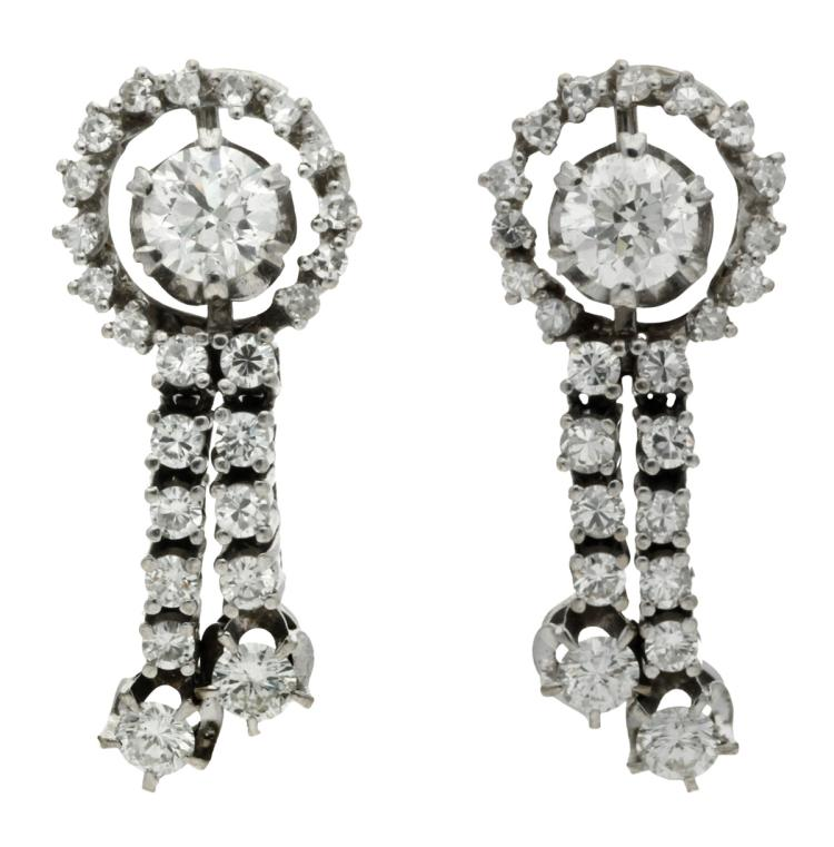 Diamonds earrings, circa 1950 White gold and brilliant, 8/8 and 16/16 cut diamonds, 2.47 cts. 3 cm 13