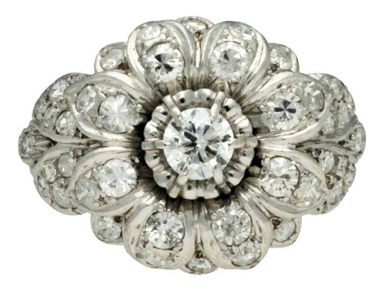 Diamonds floral ring, mid 20th Century Platinum and brilliant,16/16 and 8/8 cut diamonds, 1.13 cts. 6.4gr