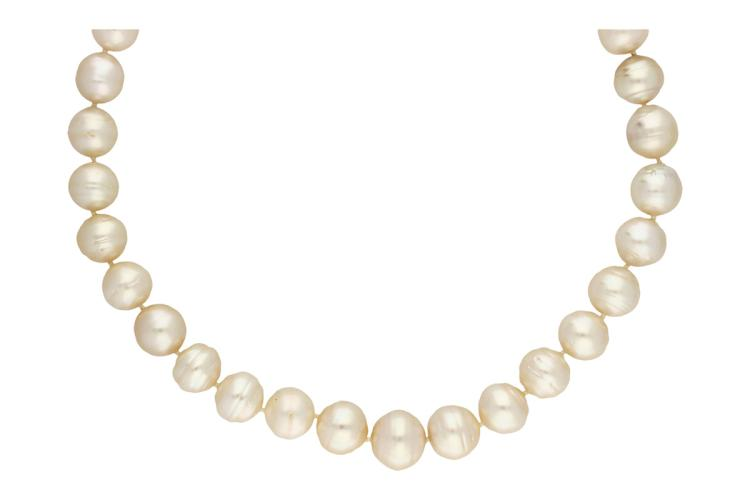 Australian pearls necklace Cultured Australian pearls of 15.5 to 11 mm diam and clasp in white gold and brilliant cut diamonds, 0.20 cts. 106 gr 106 gr