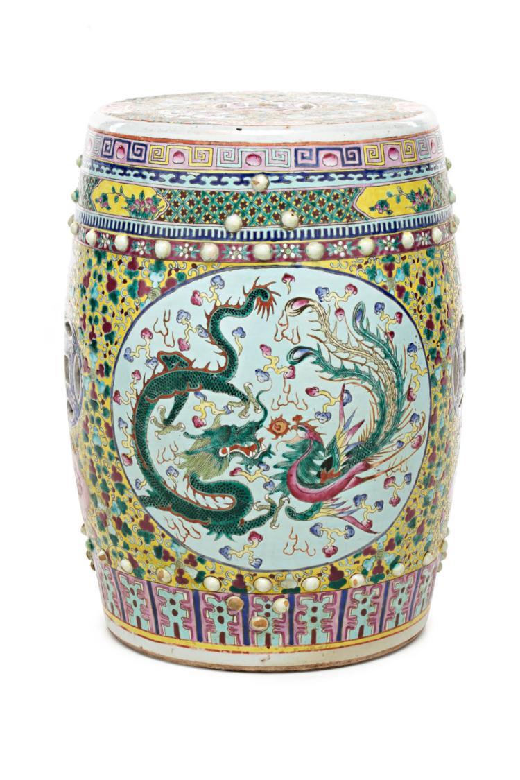 Chinese porcelain stool, 20th Century 48x32x32 cm