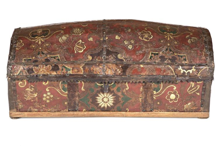 Cuir de Cordoue chest from the Netherlands, 18th Century The chest is probably of the 19th Century. Interior in wood and iron plate ironworks. Literature:
