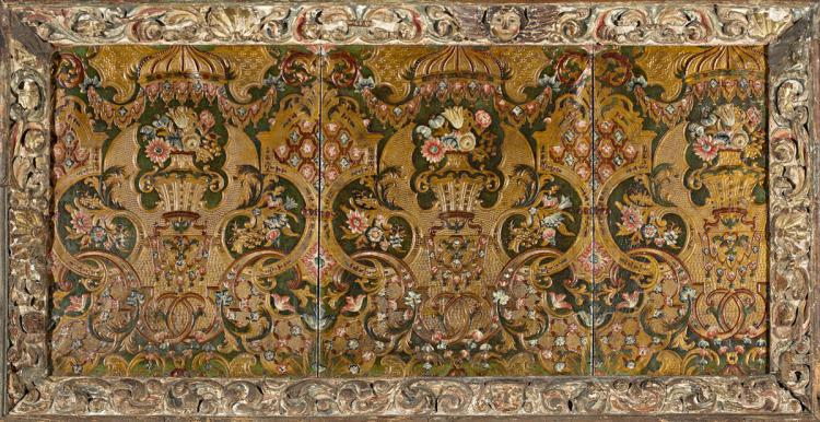 Cuir de Cordoue panel from the Netherlands, first quarter of the 18th Century Panel in embossed, moulded, ironed, polychromed and gilt leather Framed in a carved, gilt and polychrome wood old frame. Literature:
