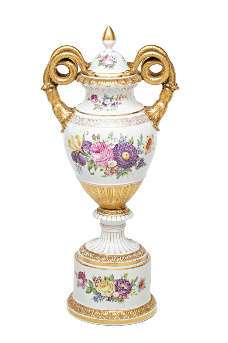 Big French porcelain vase with cover, second half of the 19th Century 91x42x42 cm
