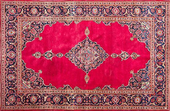 Dos alfombras orientales en lana del segundo tercio del sig for Alfombras orientales barcelona