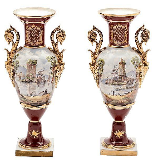 Pareja de jarrones franceses en porcelana tipo de Sèvres, del segundo tercio del siglo XIX