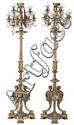 Pareja de candelabros de pie estilo Napoleón III en bronce dorado y cristal tallado, de principios del siglo XX