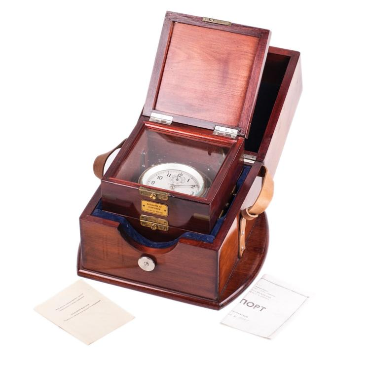 Two-day Russian marine chronometer