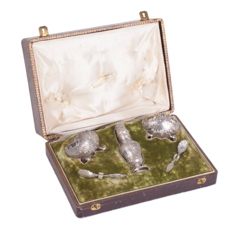 Silver French set of saltcellars in a box