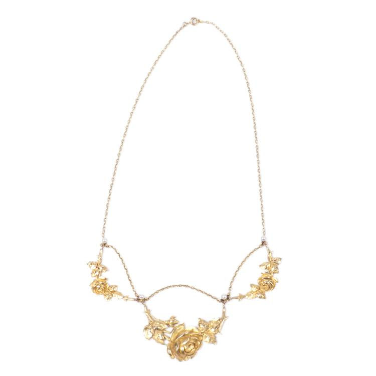 18K gold pendant with floral motifs and pearls