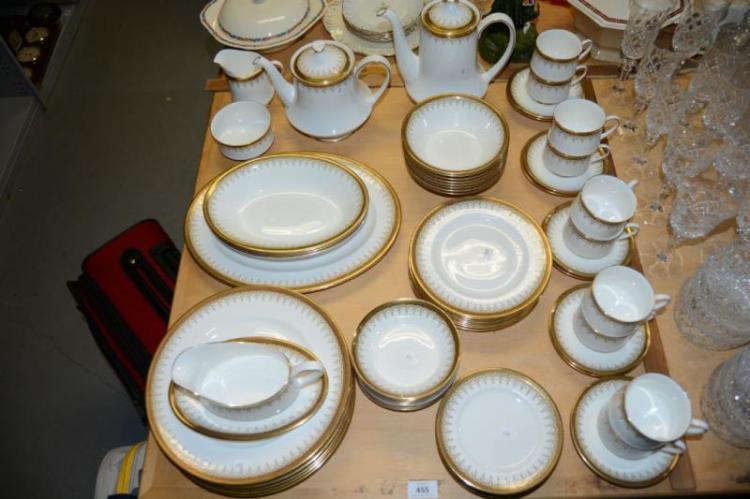 Lge qty of Paragon 'Athena' dinner ware,
