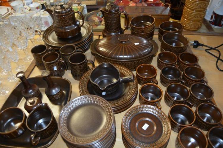 Lge qty of Wedgwood 'Penine' dinner ware,