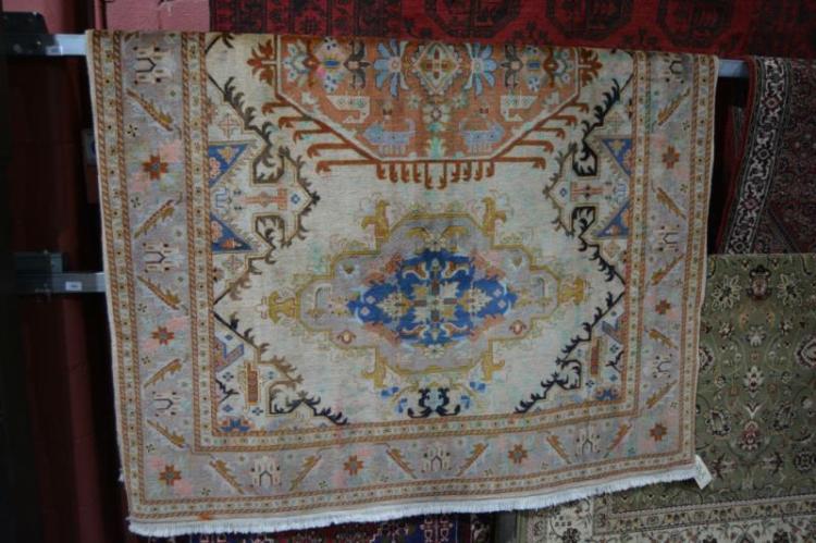 Persian Kashan pure wool hand woven rug,