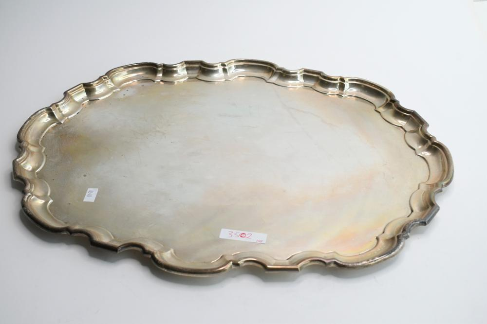 Large Sterling Silver serving tray, 1.50 x 37.50 x 49 cm. (0.59 x 14.76 x 19.29 in.)