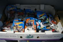 Box - large qty of as new, die cast model cars